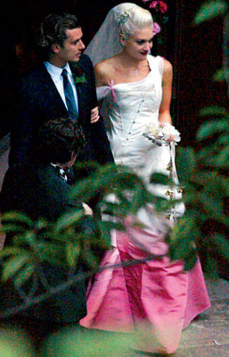 gwen stefani wedding dress dior. gwen stefani wedding dress