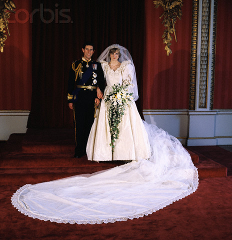 princess diana wedding cake. princess diana wedding gown.